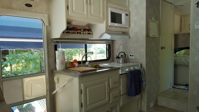rv-kitchen
